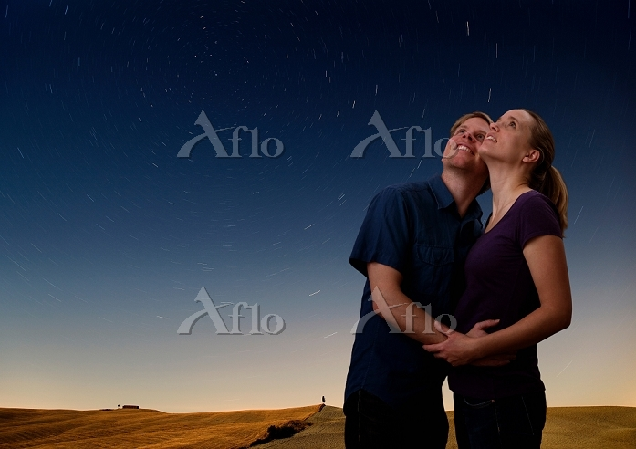 couple watching the starry nig・・・
