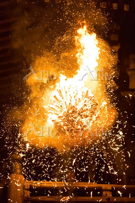 奈良県 東大寺二月堂の修二会 お松明 日本の文化
