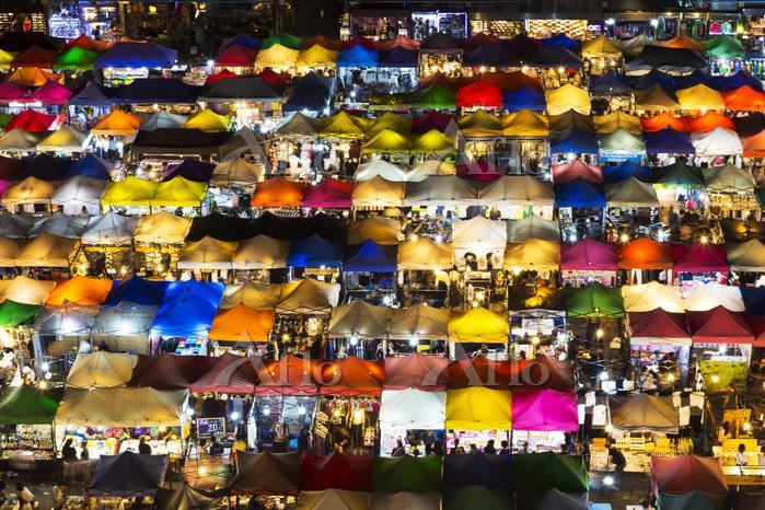 タイ ラチャダー トレインナイトマーケット