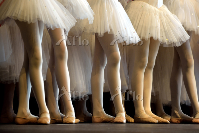 ballett dancers with white tut・・・