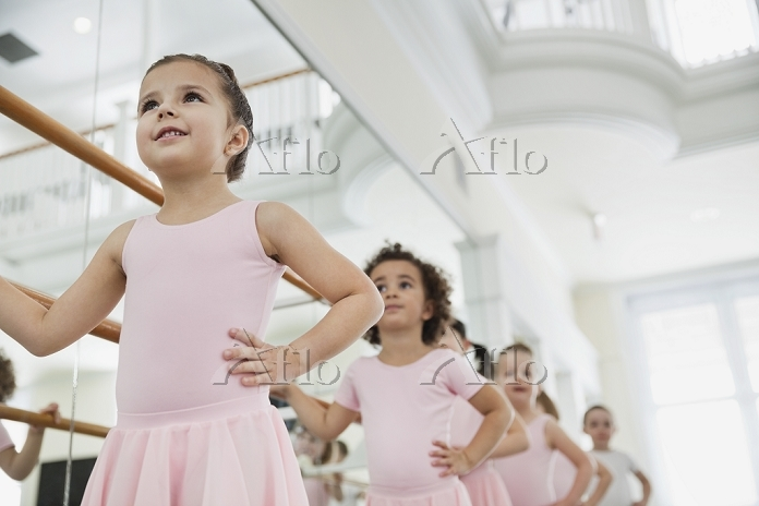 バレーを習う女の子