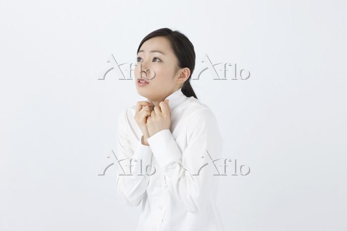 寒気を感じる日本人女性