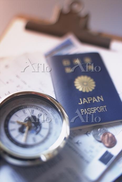 パスポートと時計