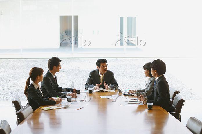 会議のシーン