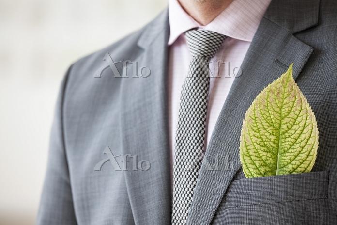 スーツのビジネスパーソン