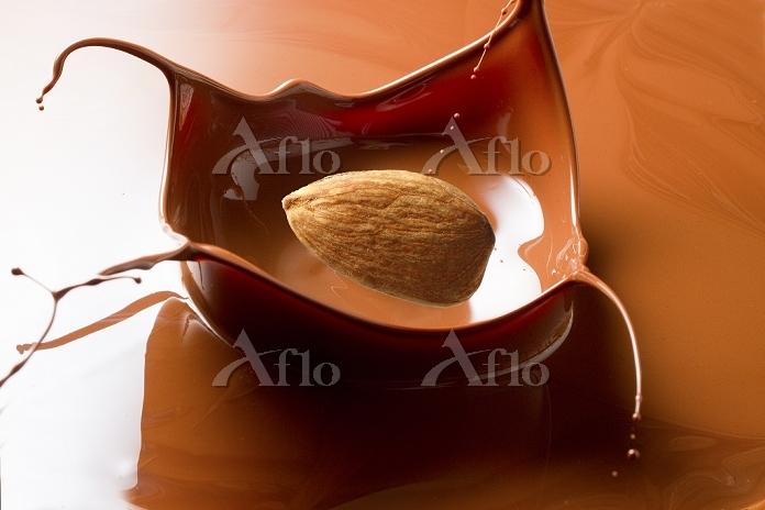 チョコレートとアーモンド