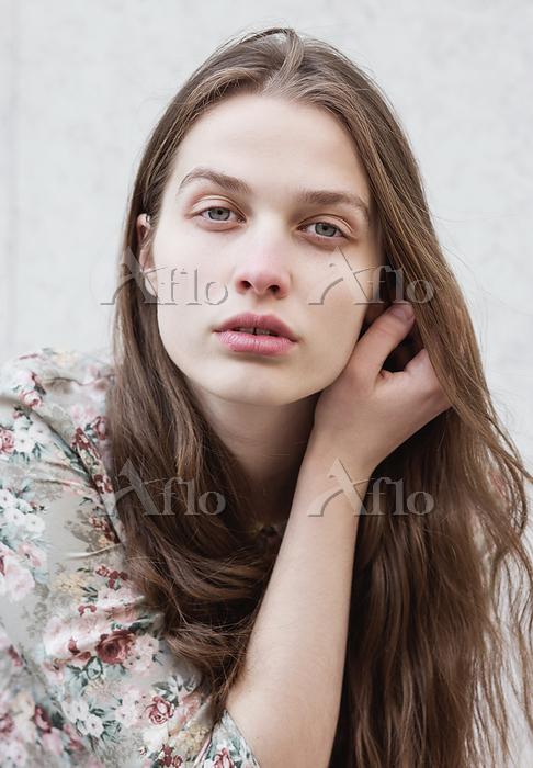 Portrait of young beautiful wo・・・
