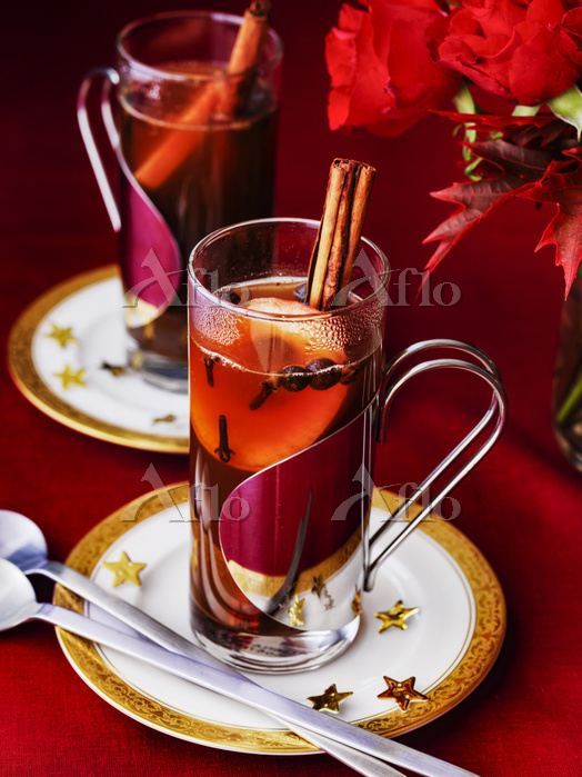 Hot Spiced Cider with cinnamon・・・