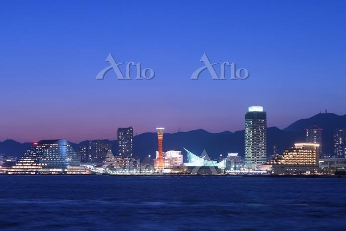 兵庫県 夏の神戸港夕景