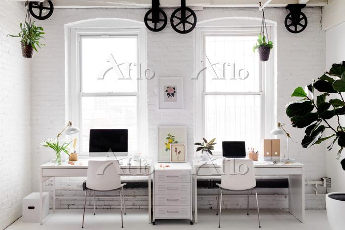 Monochromatic Modern Workplace・・・
