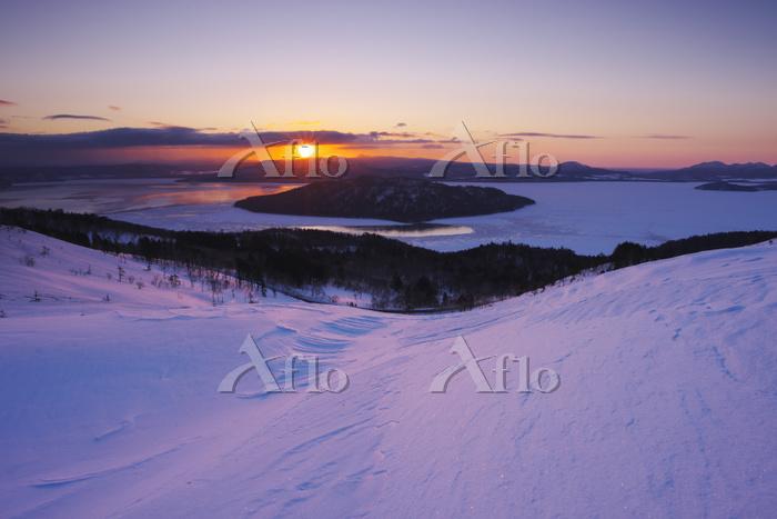 北海道 美幌峠より屈斜路湖の日の出