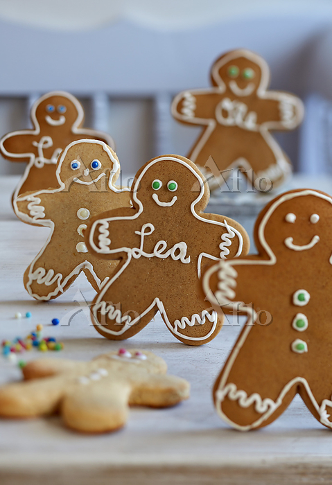 Decorated gingerbread people
