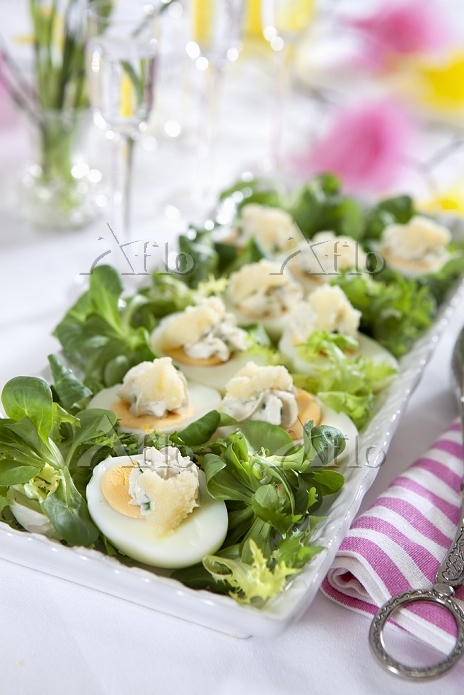Hard-boiled eggs topped with c・・・