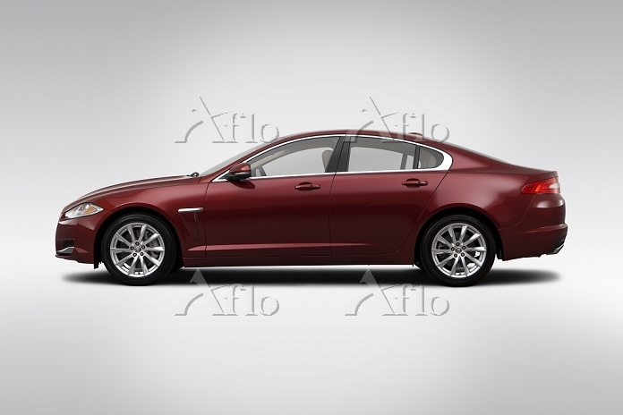 2012 Jaguar XF in Red