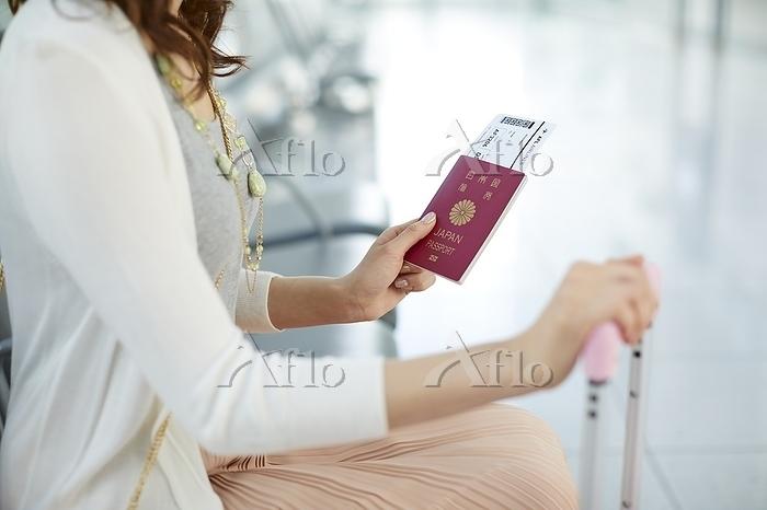 旅行に出かける日本人女性