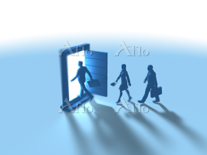 異次元ドアに入るビジネス男女3人