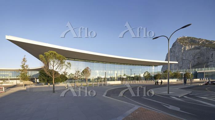 building-name: Gibraltar Airpo・・・