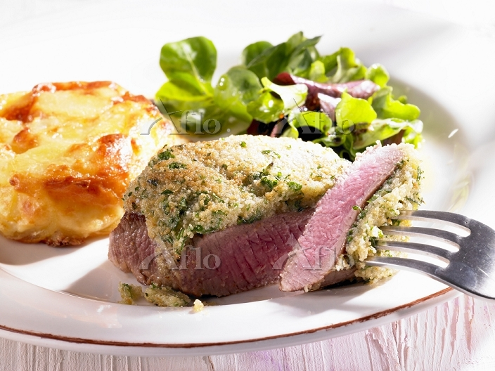 Lamb fillet with a herb crust,・・・