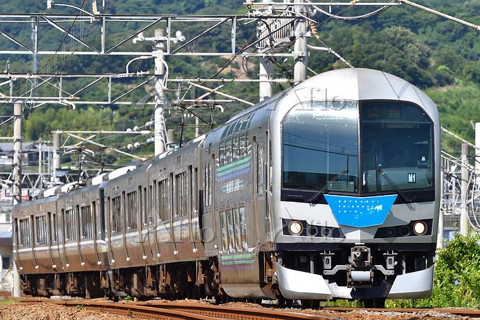 香川県 予讃線 223系快速マリンライナー(瀬戸内トリエンナ・・・