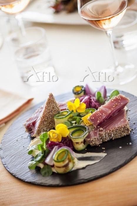 Tuna in a sesame crust with gr・・・