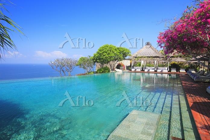 インドネシア プールサイド