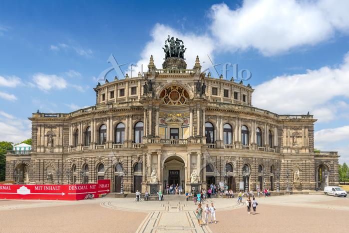 The Semperoper, opera house of・・・