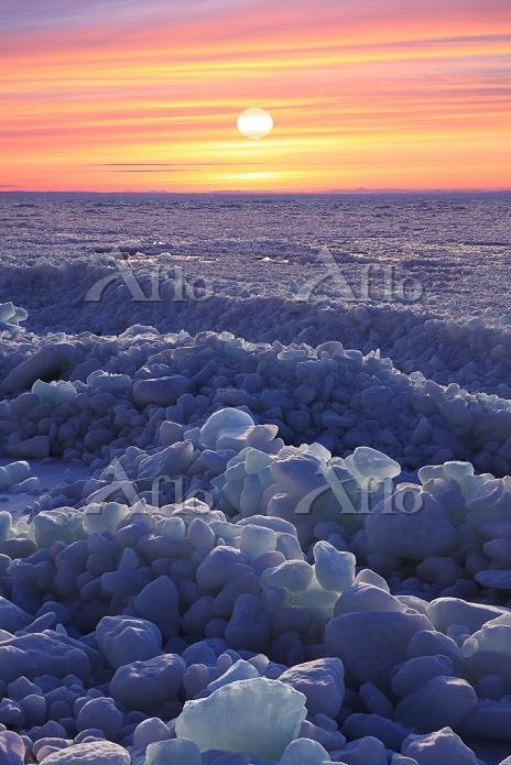 北海道 流氷 夕日