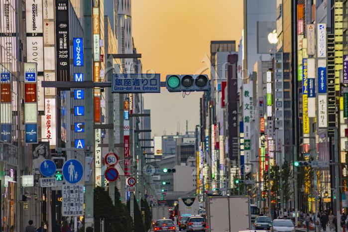 東京 銀座 夕暮れ