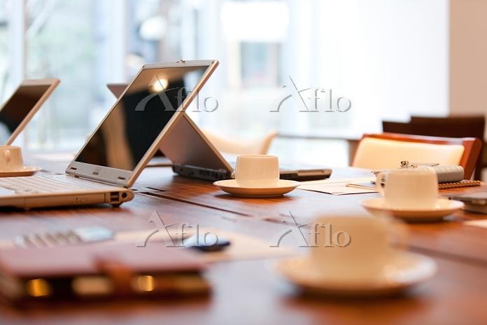 テーブルの上のビジネス小物