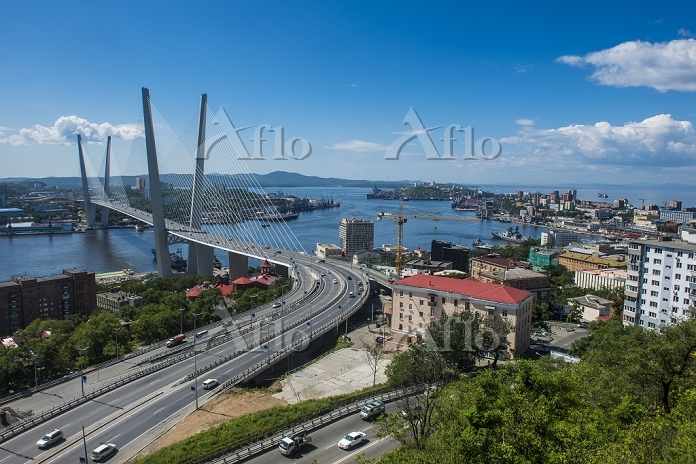 ロシア 金角湾横断橋