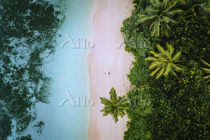 Aerial view of a young woman r・・・