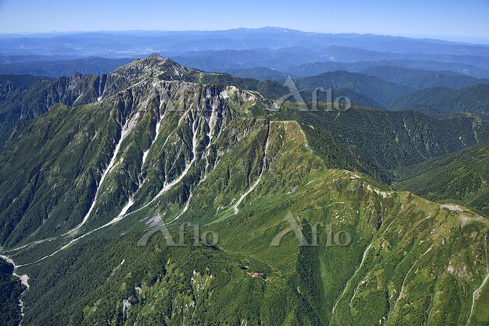 北アルプス 笠ヶ岳と鏡平山荘