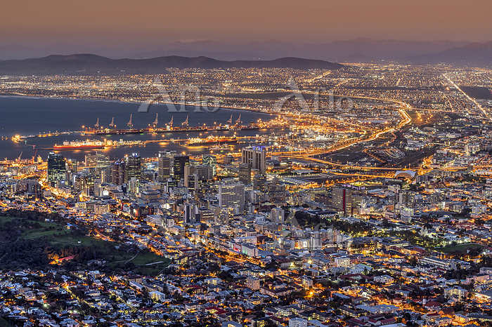 南アフリカ ケープタウンの夜景