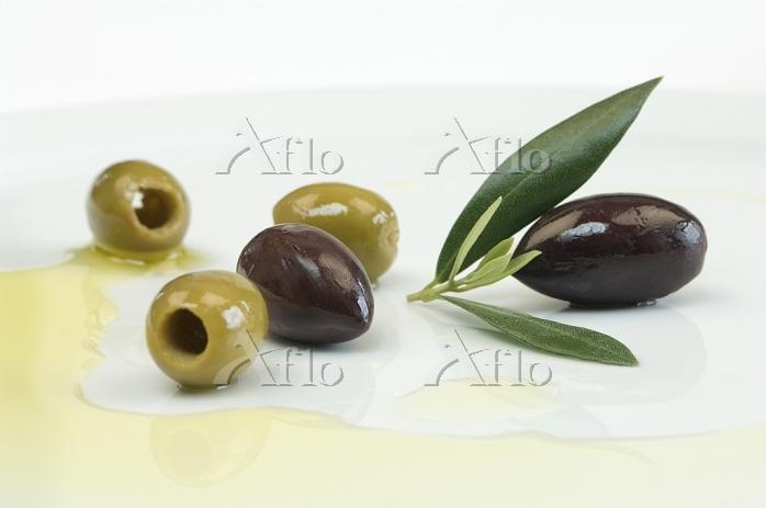 オリーブの実とオリーブオイル