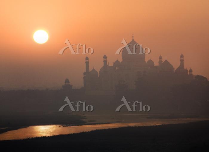 インド アーグラ アーグラ城塞からタージ・マハル 朝陽