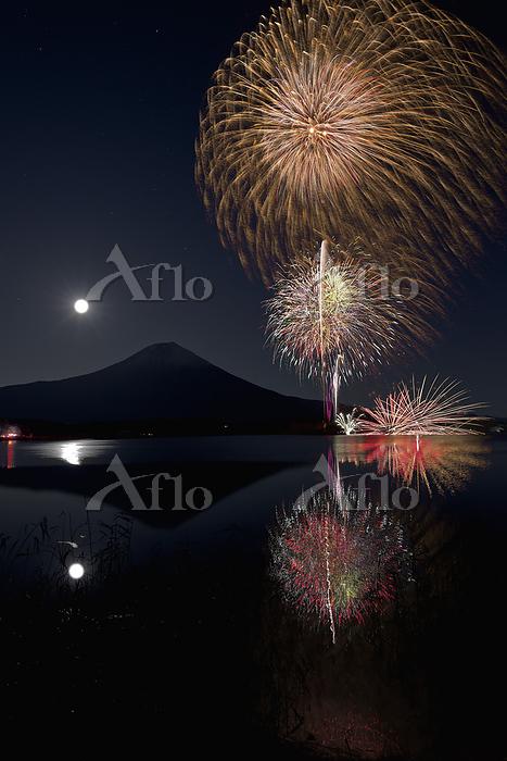 静岡県 田貫湖まつり 冬の花火