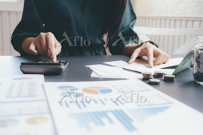 Accountant or banker calculate・・・