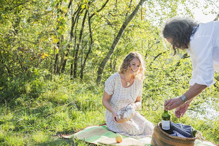 Couple preparing for a picnic ・・・
