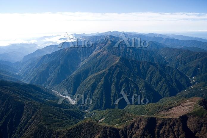 南アルプス 仙丈ケ岳周辺より北岳 明石岳方面