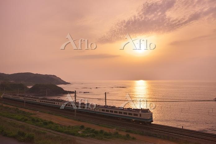 新潟県 北陸本線夕景