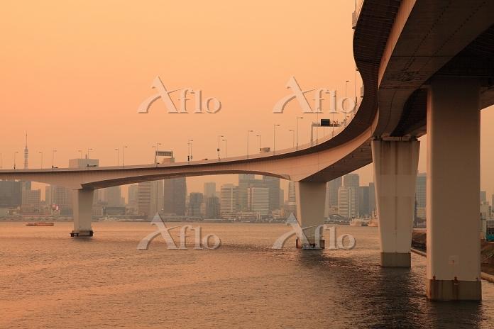 東京都 有明より高速台場線 夕景