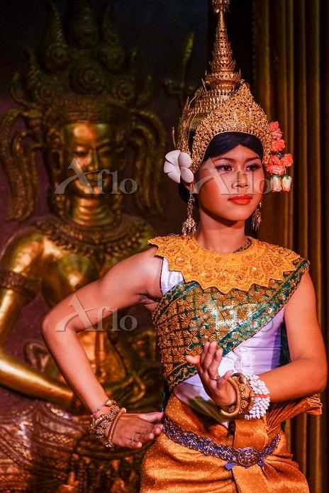 カンボジア アプサラダンサー