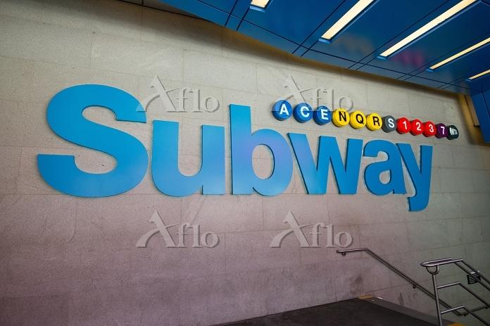 アメリカ合衆国 サブウェイ42ストリート駅 42ストリートと・・・