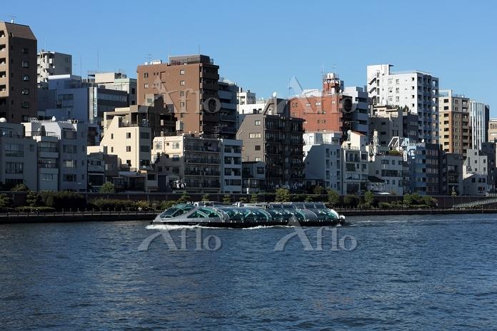 東京都 水上バス「ホタルナ」