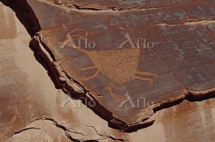 Indian petroglyph showing figu・・・