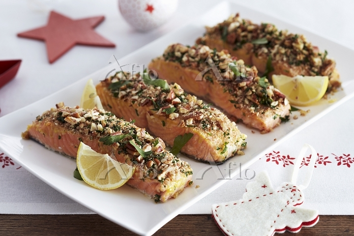 Salmon fillets with a nut crus・・・