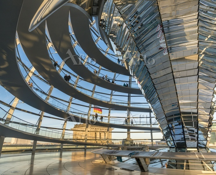 Interior of Reichstag dome wit・・・