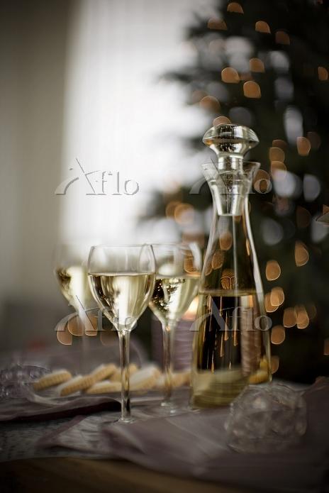 クリスマスのテーブルのワイン