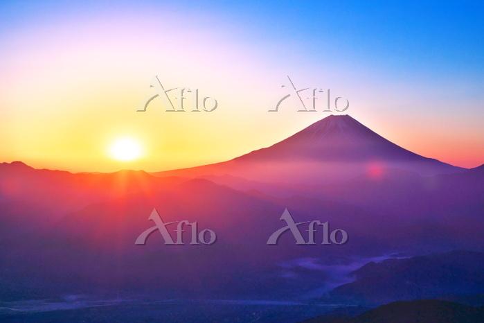山梨県 富士山と朝日