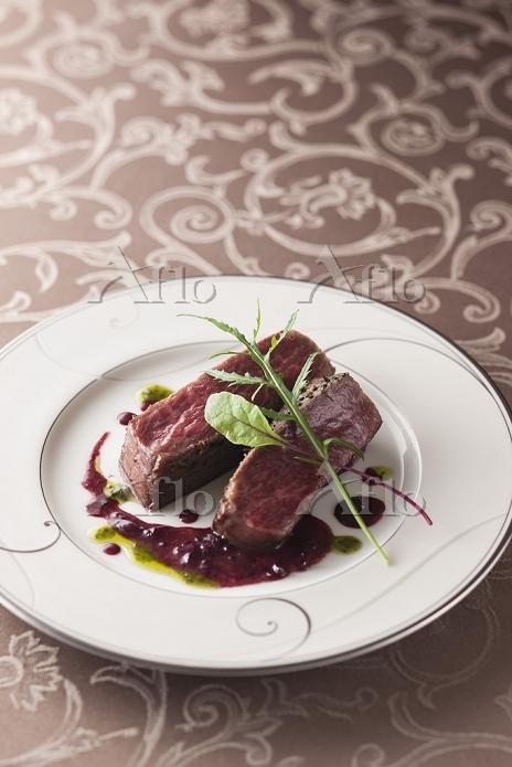黒毛和牛のステーキ, ヴァンルージュソース